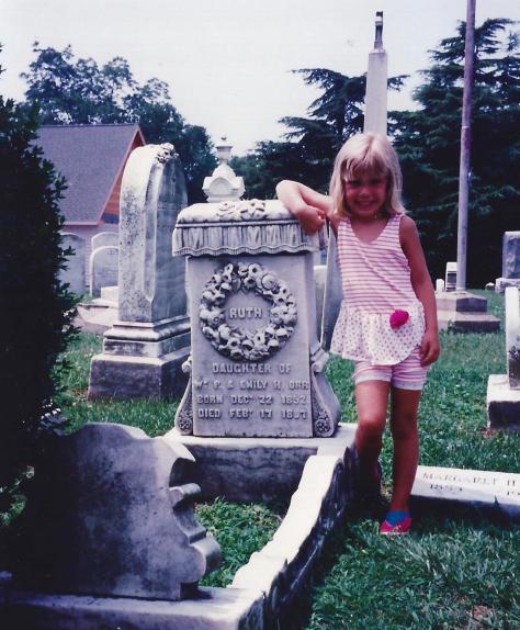 Amanda&GraveStone